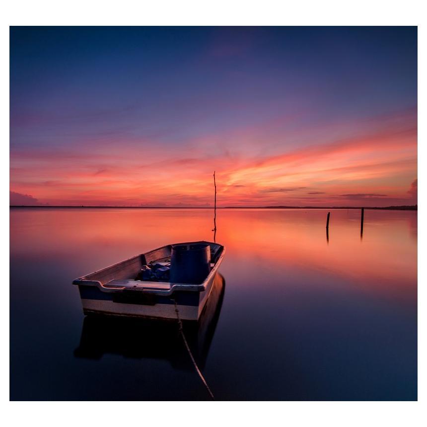 Βάρκα με ηλιοβασίλεμα