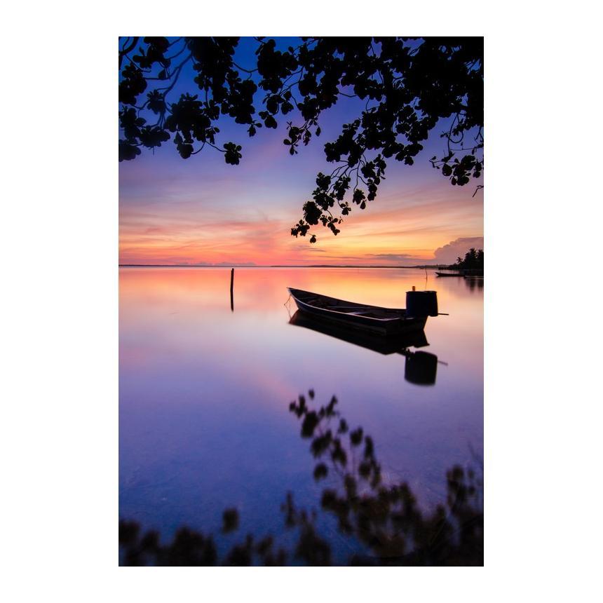 Βάρκα στο ηλιοβασίλεμα