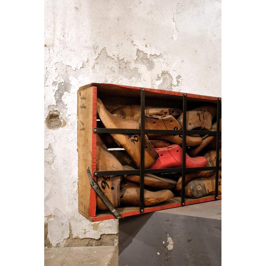 Πίνακας γλυπτό ''Οι φυλακισμένοι''