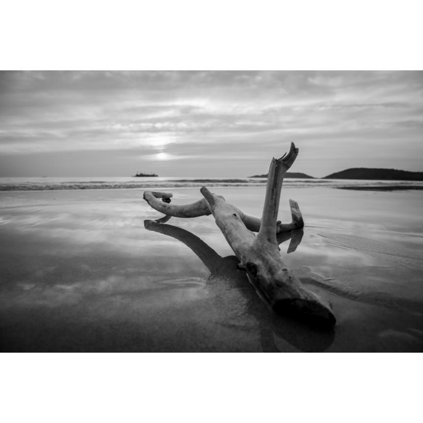 Φωτογραφικό παραλία minimal b&w