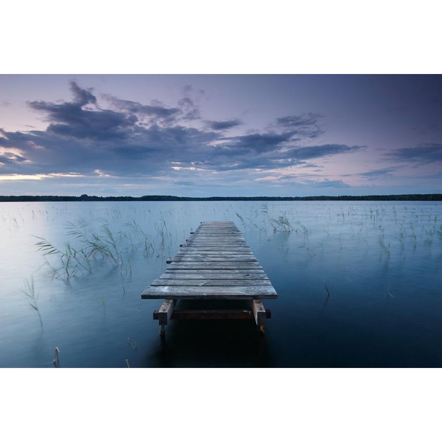 Αποβάθρα στη λίμνη